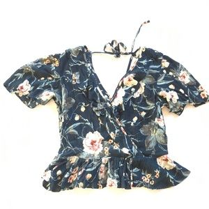 Band of Gypsies blue floral ruffle wrap top med